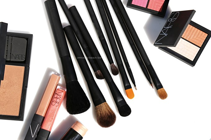 NARS makeup brushes closer