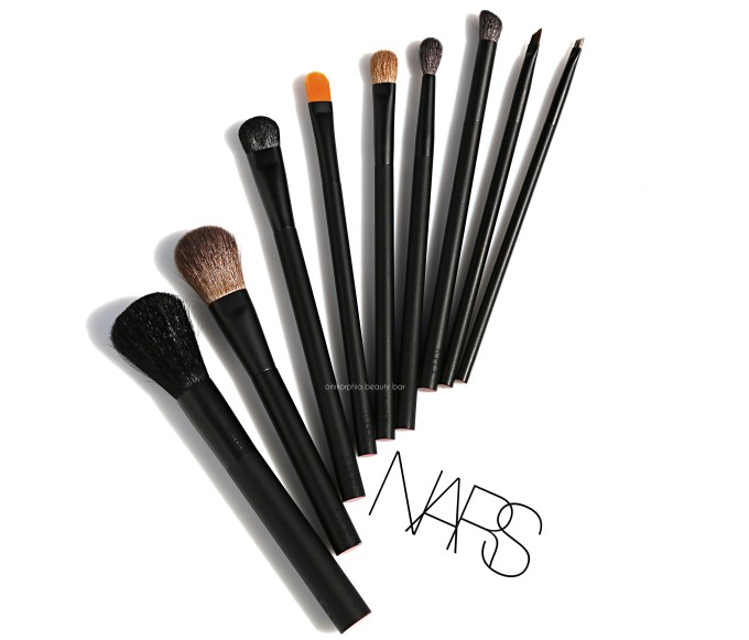 NARS makeup brushes opener