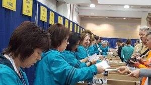 melrose running club volunteers,boston 2016
