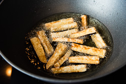 Crispy Eggplant with Szechuan Meat Sauce Cooking Process   omnivorescookbook.com
