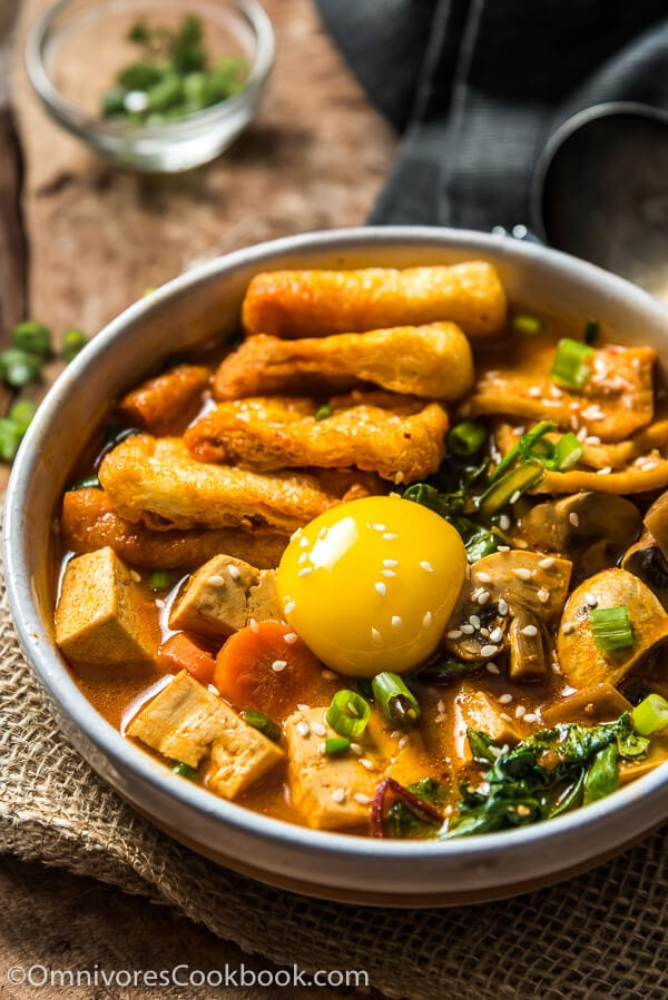 How to Assemble your own Korean Stew (Including paleo and vegetarian versions) | omnivorescookbook.com