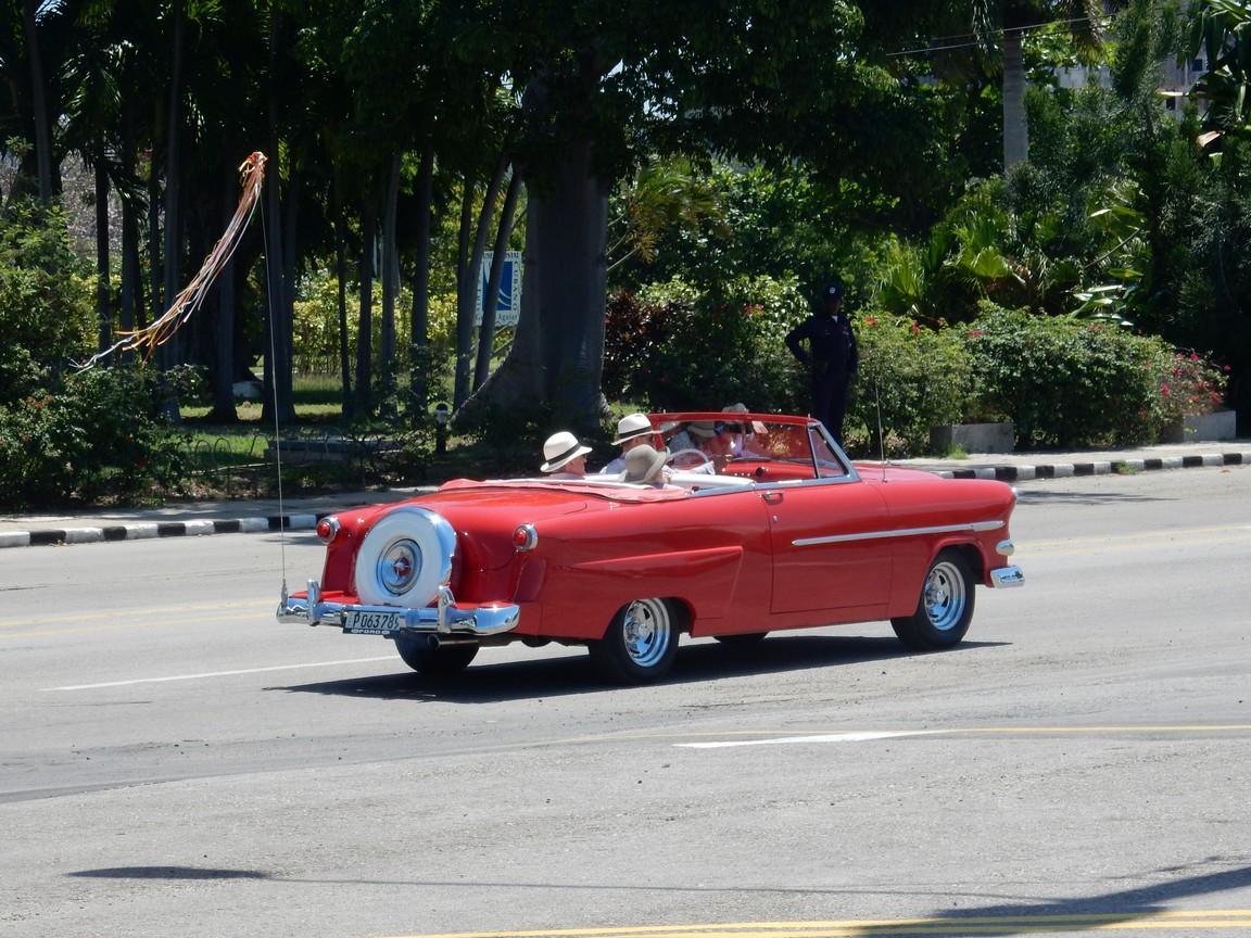 Vá para Cuba!