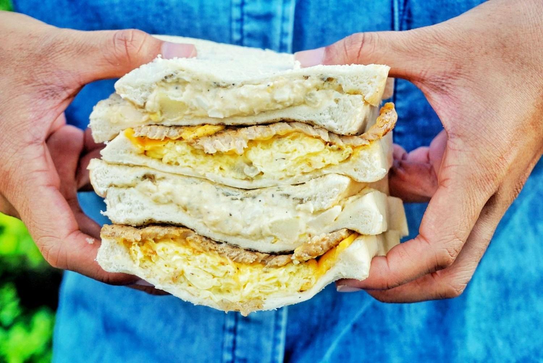 """【新北中和早午餐】Everyday cafe    永安市場站""""手作吐司三明治""""巷弄排隊早餐"""