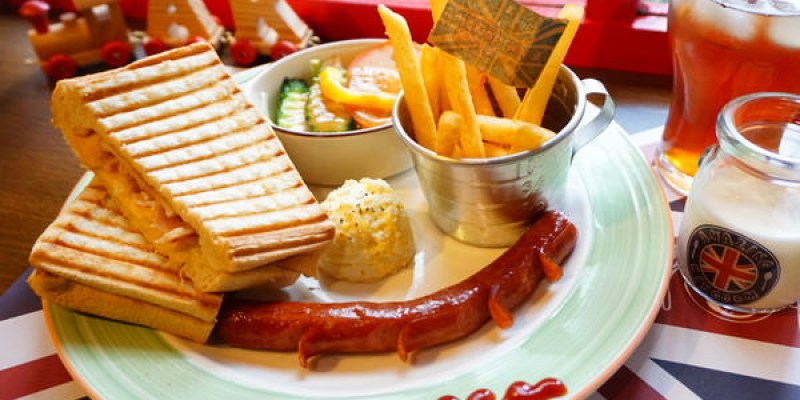 """【桃園龜山美食】AK Restaurant  *♥林口長庚附近""""英式早午餐""""厚熱壓餅""""火鍋"""