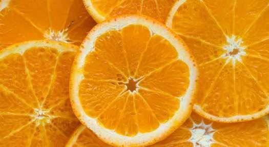 赤ちゃんのオレンジジュースはいつから?飲ませ方やアレルギーなど注意点は? 1