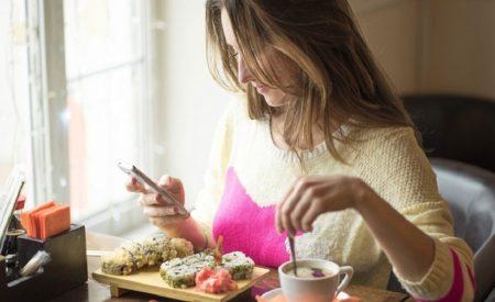 いただきますから幸せをつくる 想いやりごはんレッスン vol. 4 食事中、スマホは電源OFF!