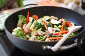 fried-vegetables-in-a-pan_1220-249