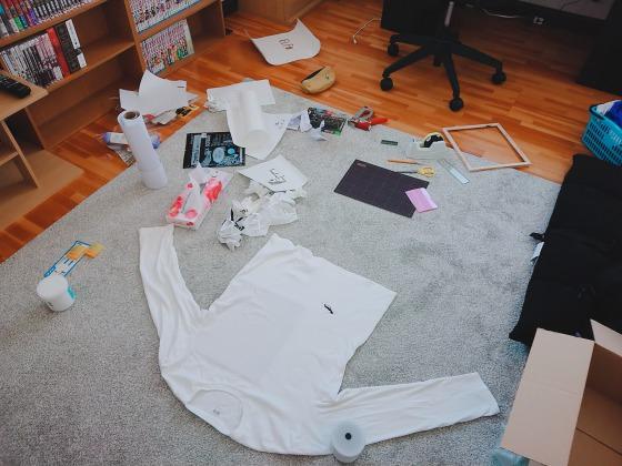 自作Tシャツ作りに失敗したあとの部屋