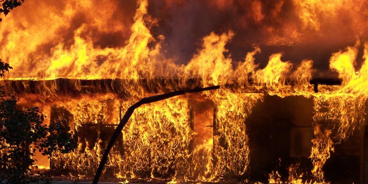 #energiaeletricasemacidentes: imagem de edificação em chamas