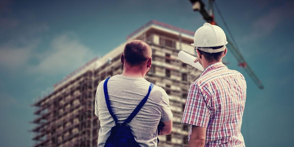 Projeto de eficiência energética em Curitiba: prédio eficiente em construção