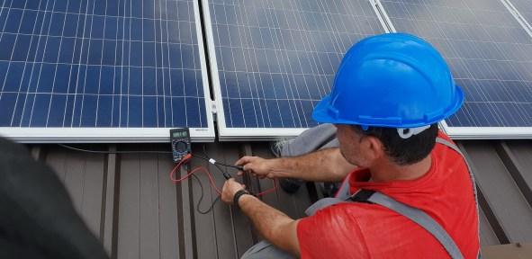 Usina fotovoltaica: técnico em manutenção