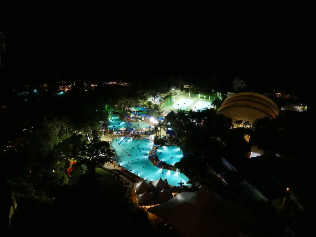 PICグアムナイトプール