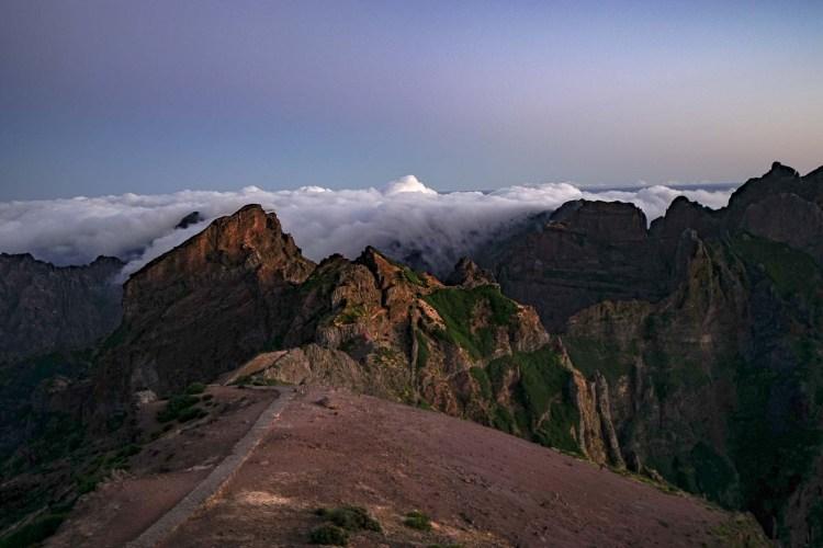 Blick vom Pico do Arieiro vor dem Sonnenaufgang