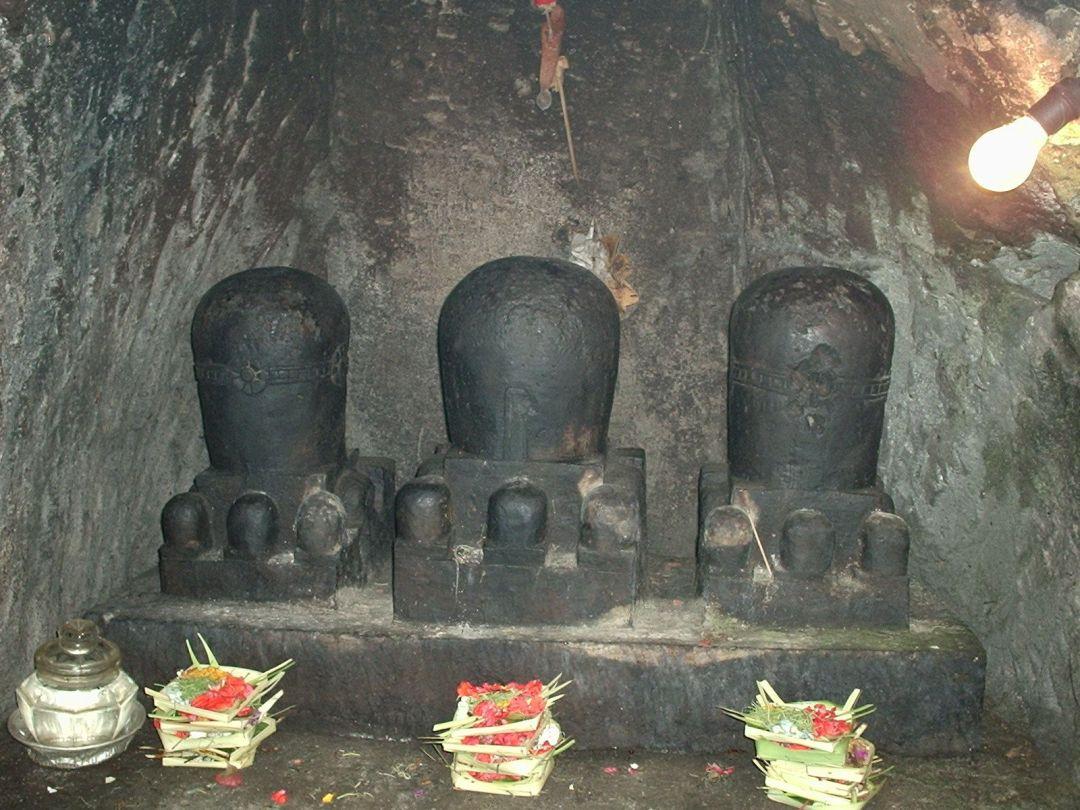 guía-de-Bali-cueva-del-Elefante