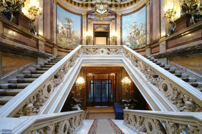 escalera-palacio-linares-madrid-fantasmas-ruta