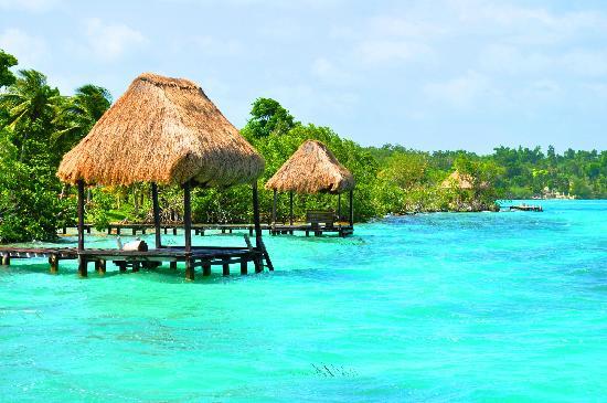 Excursiones-Riviera-maya-laguna-de-Bacalar