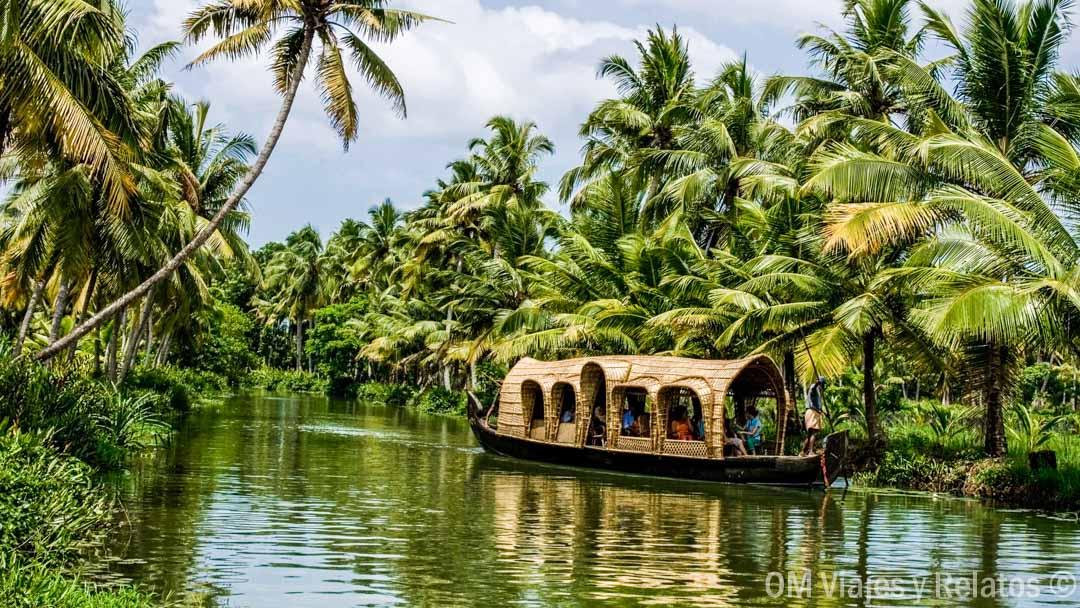 GUIA DE LOS BACKWATERS DE LA INDIA: LA TIERRA DE LOS DIOSES DE KERALA