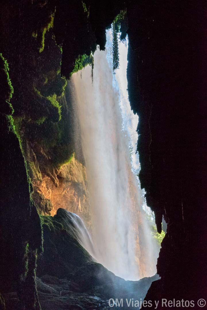 cuevas-monasterio-piedra-cataratas