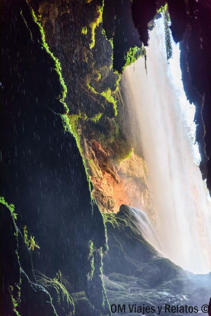Cola-de-Caballo-y-Gruta-iris-Monasterio-de-Piedra