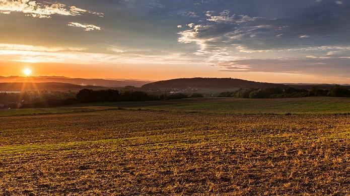 0c8557d-sunset-907704-1280-Cropped.jpg