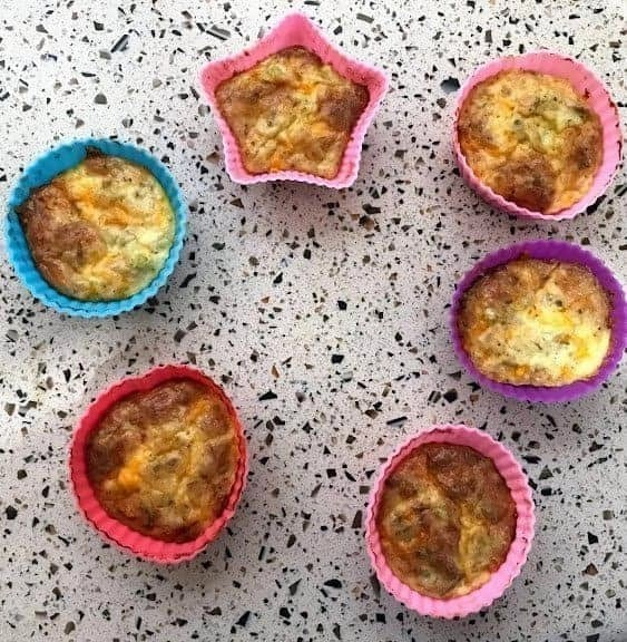 Spicy keto tuna melt muffins recipe. A delicious keto snack that is low carb with lots of protein and fat to keep you full. #ketorecipes #ketosnack #ketodiet