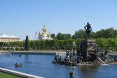 L'extérieur du palais de Peterhof - Saint Petersbourg