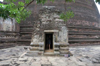 Un petit hotel devant la Stupa