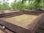 Un bassin, ruines de Polonnaruwa