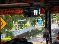 Le chauffeur hindou bénit son bus