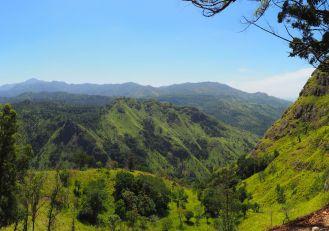 Panorama depuis Ella Rock (vue sur Little Adam's Peak)