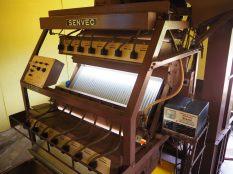 Machine servant à trier le thé séché pour en extraire les morceaux de branches