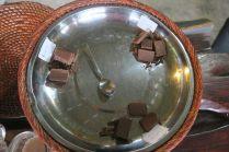 Différents chocolats lors de la dégustation (le meilleur était celui à la vanille)