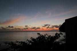 Lever de soleil depuis notre balcon, face à la mer...