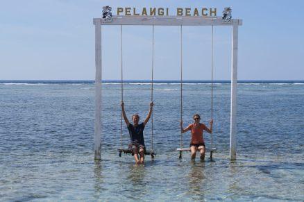 Elise et Julien les pieds dans l'eau !
