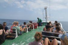 Sur le pont du fastboat