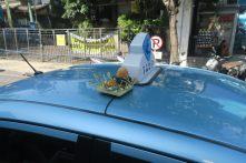 Offrande sur le toit d'un taxi !