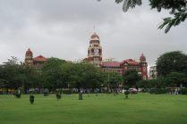 """Vue sur le batiment de la """"high court"""", Yangon"""