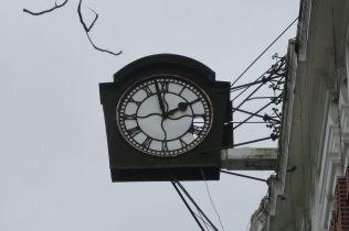 Horloge sur la devanture du batiment des douannes, Yangon