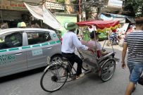 "vélo-taxis ou ""rickshaw"""
