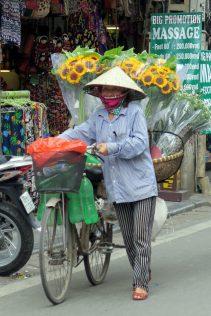 Une vendeuse ambulante