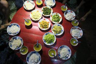 Buffet birman dégusté lors du Trek entre Kalaw et Inle