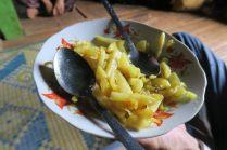 Pommes de terre servies avec le thé