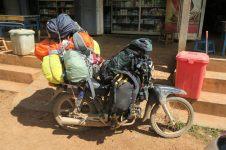 Voici comment nos sacs (ici ce ne sont pas les notres) sont transportés durant le trek (ils sont déposés à notre arrivée, on ne les a pas le soir)