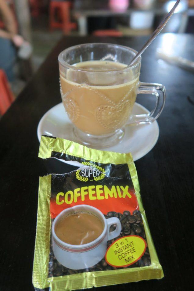 Coffeemix : café birman, mélange de cqfé, sucre et poudre de lait
