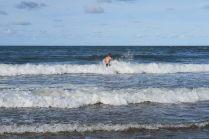 Julien dans les vagues