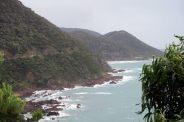 La route longe littéralement le litoral sur la Great Ocean Road