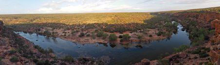 """Panorama des gorges de la rivière Murchinson au point de vue """"Ross Graham"""""""