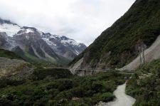 """Un des ponts suspendus de la """"Hooker Valley Track"""""""