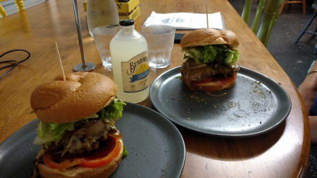 Burger avec la fameuse tranche de betterave ;)