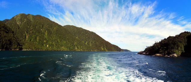 La sortie du fjord vers la mer de Tasman